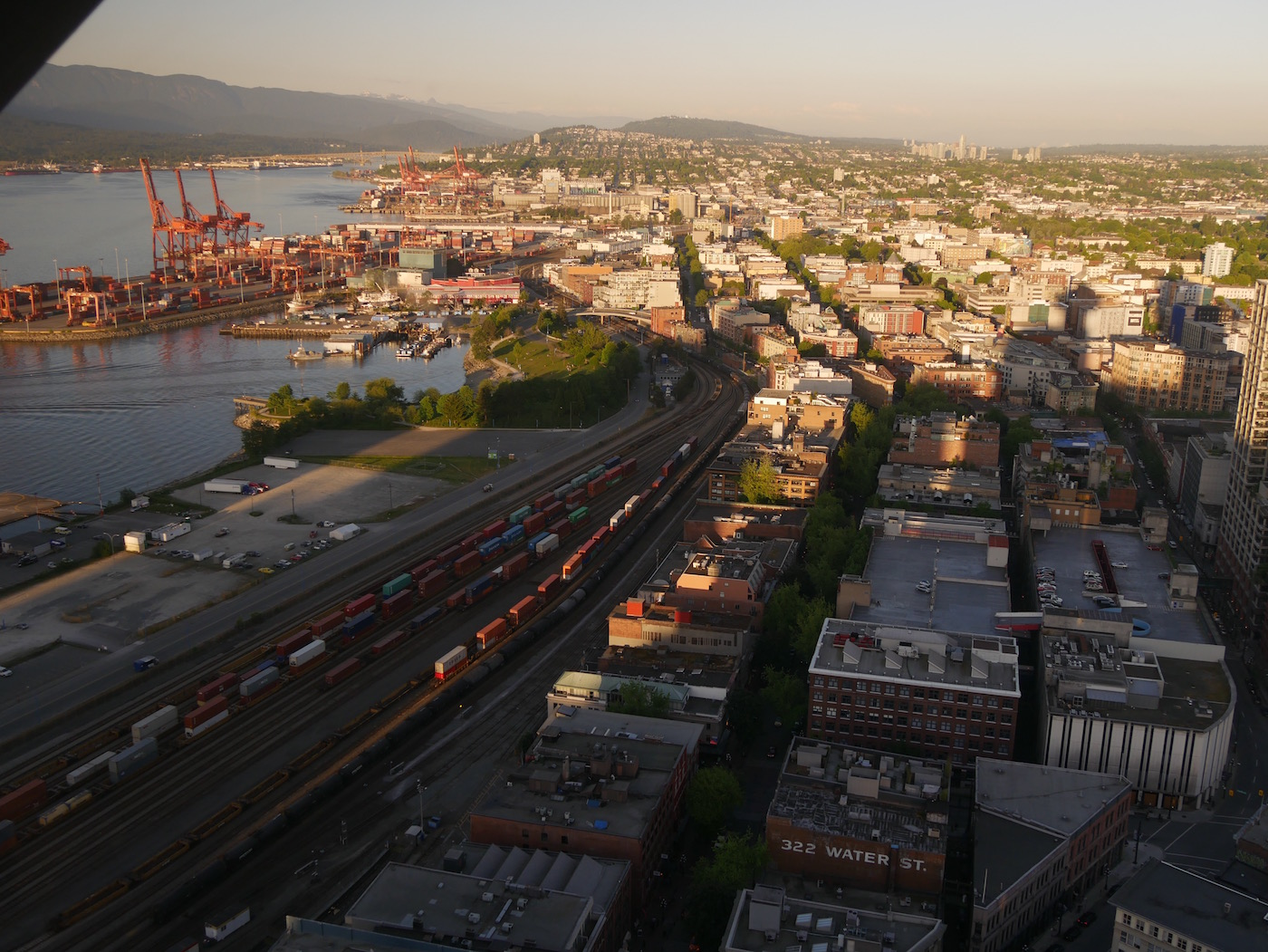 Vue waterfront Station Tour Lookout Vancouver