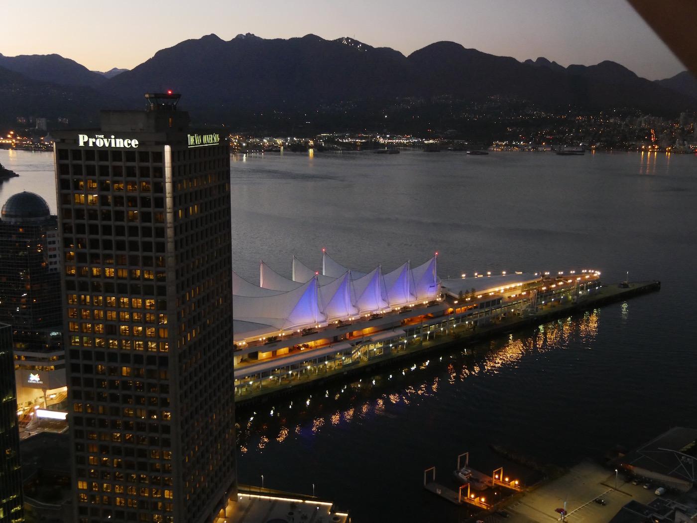 Canada Place de nuit Tour Look Out Vancouver