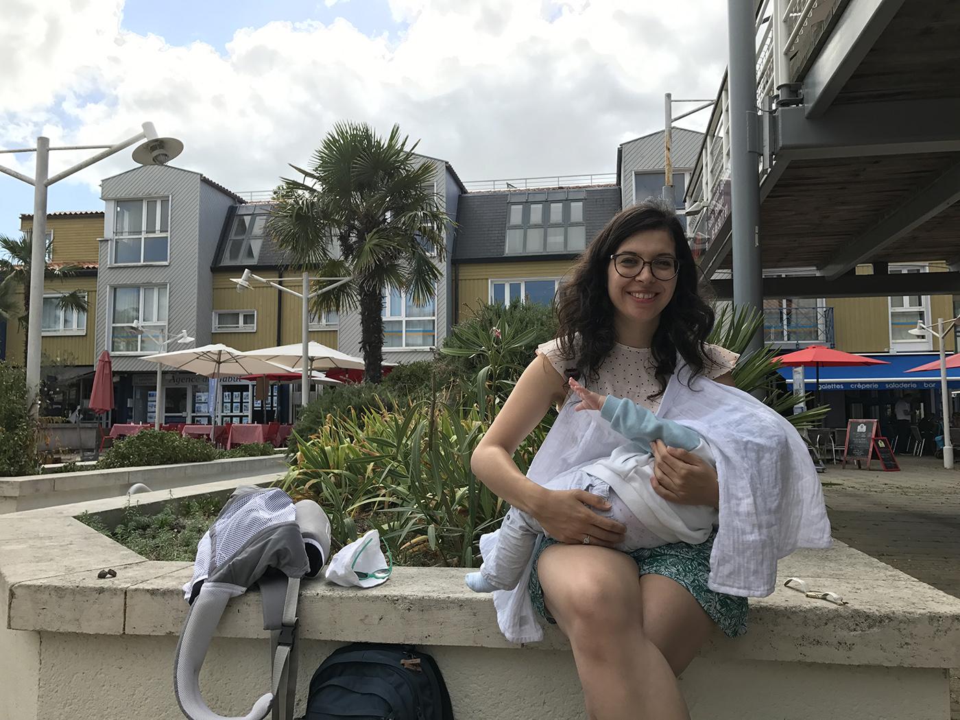 voyager avec un bébé allaiter en public
