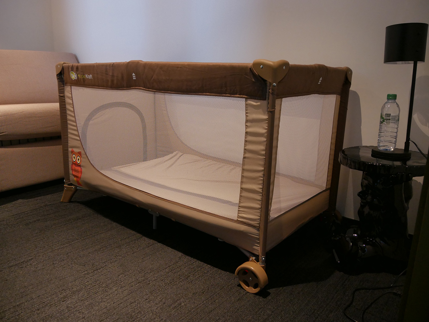 voyager avec un bébé lit parapluie