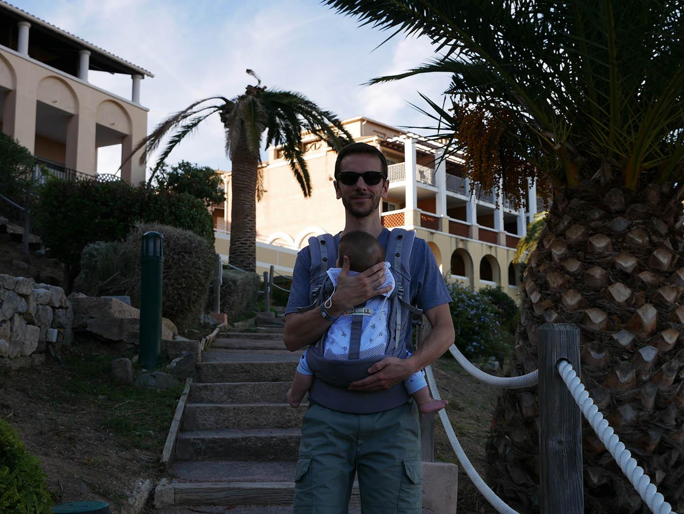 comment ça se passe une location Pierre & Vacances avec bébé ? Que contient le kit bébé ?