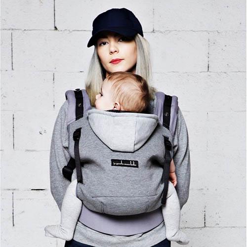 quel porte-bébé pour voyager avec bébé