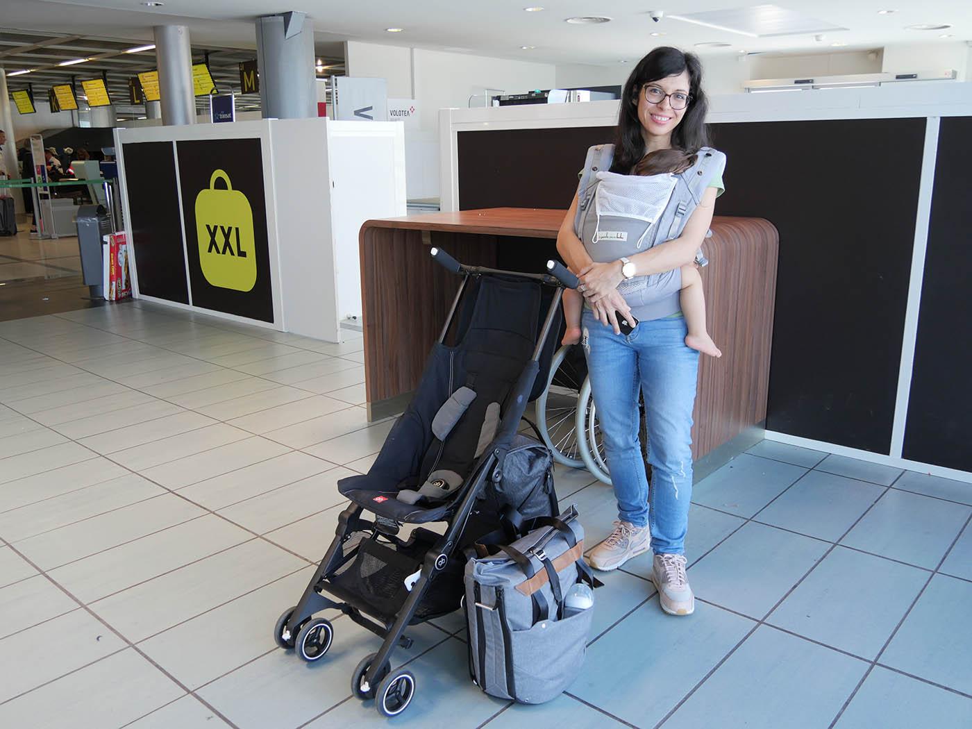 comment voyager avec un bébé 16 mois seule