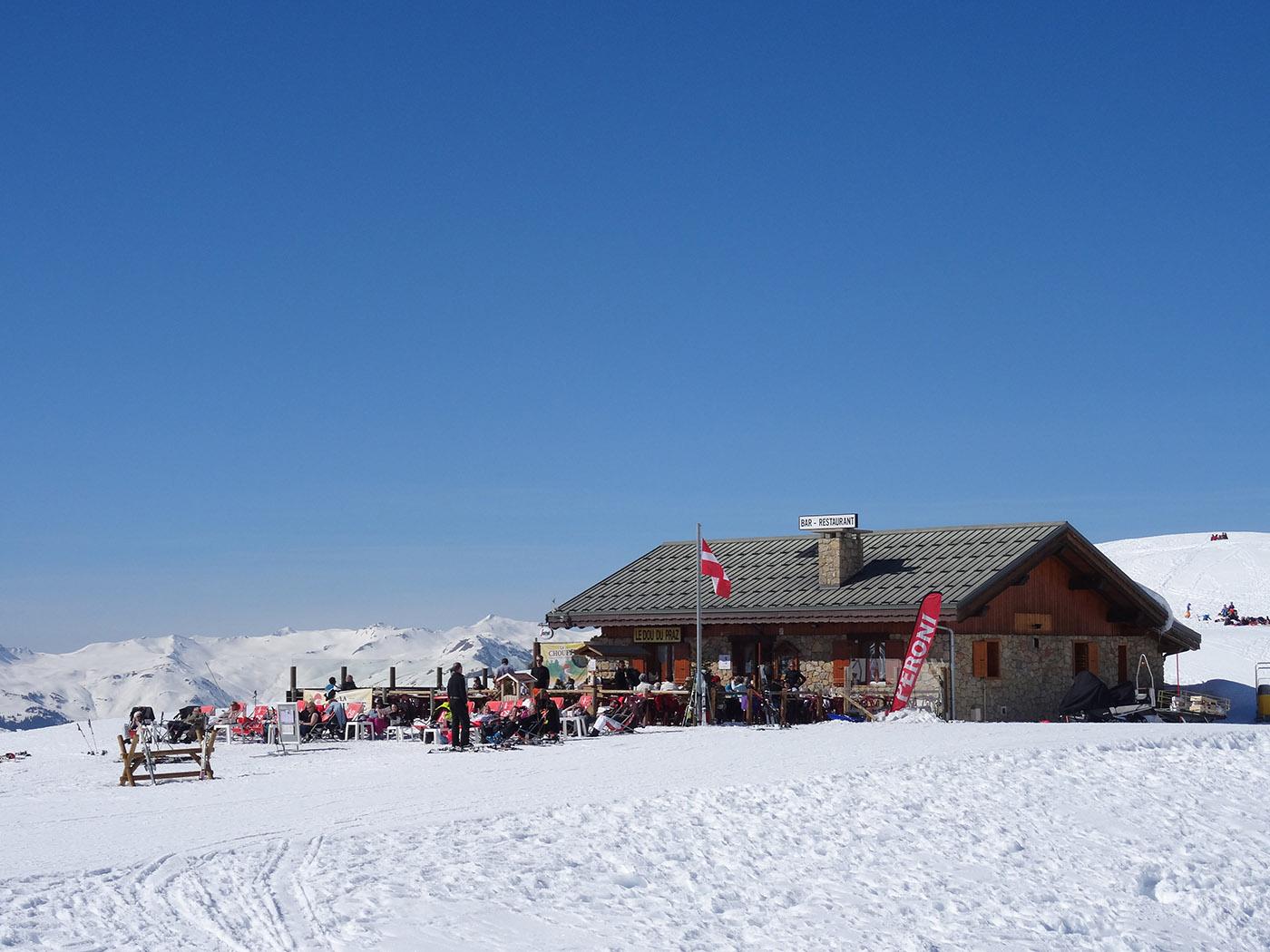 Restaurant altitude à la Plagne Soleil sur le domaine skiable Paradiski