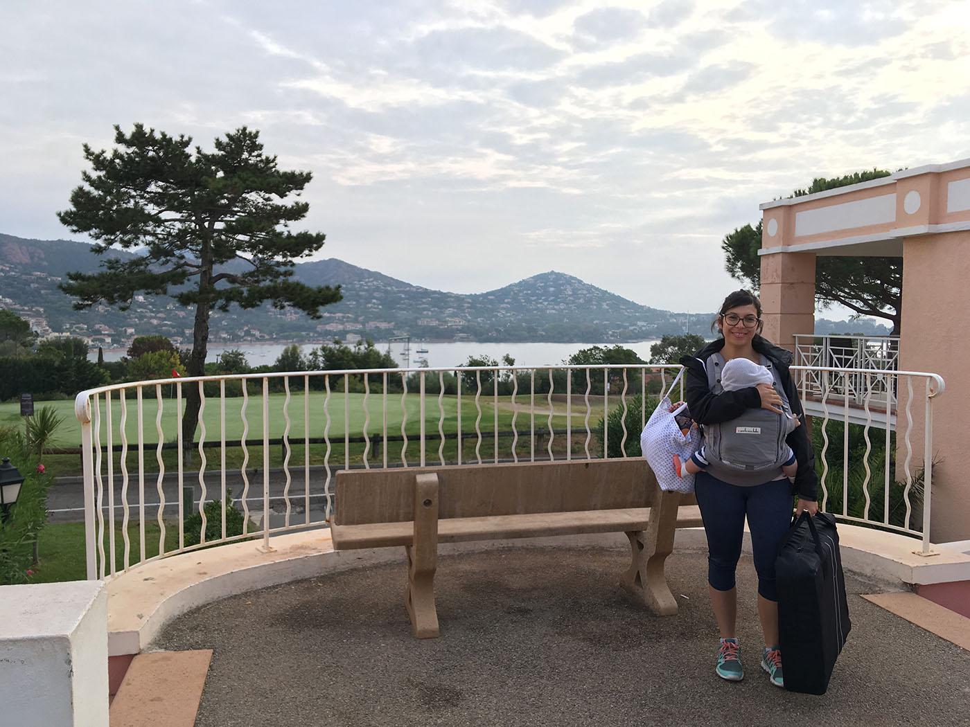 comment emporter les affaires de bébé en sorties et en voyage ? Sac à langer ou Tote Bag ?