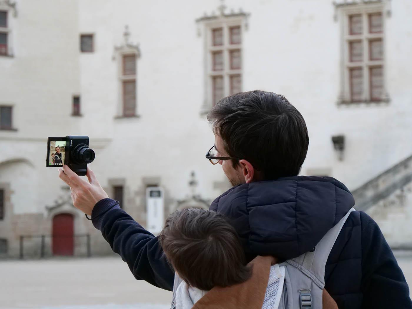Sony HX99 selfie