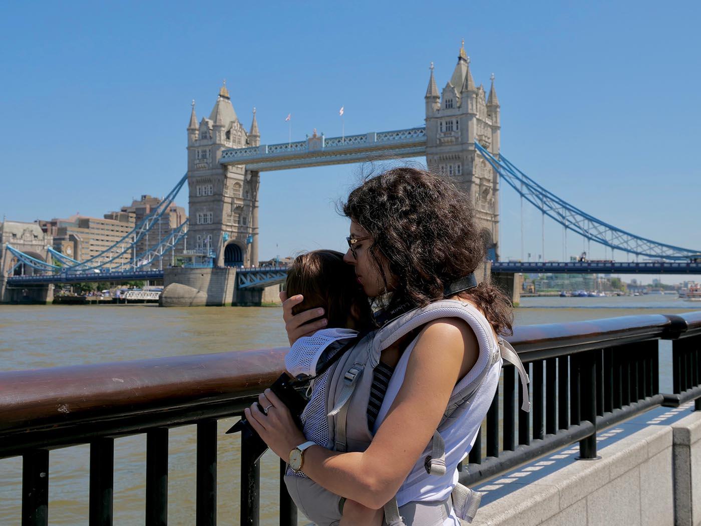 portrait devant Tower Bridge