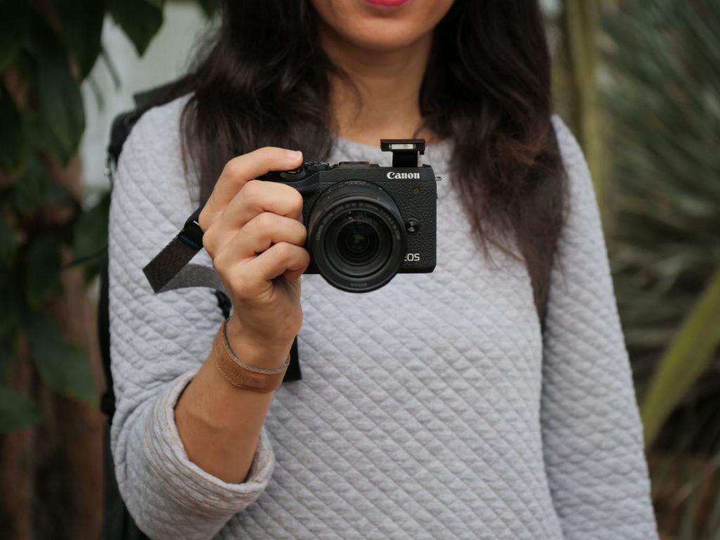 Canon EOS M6 II flash