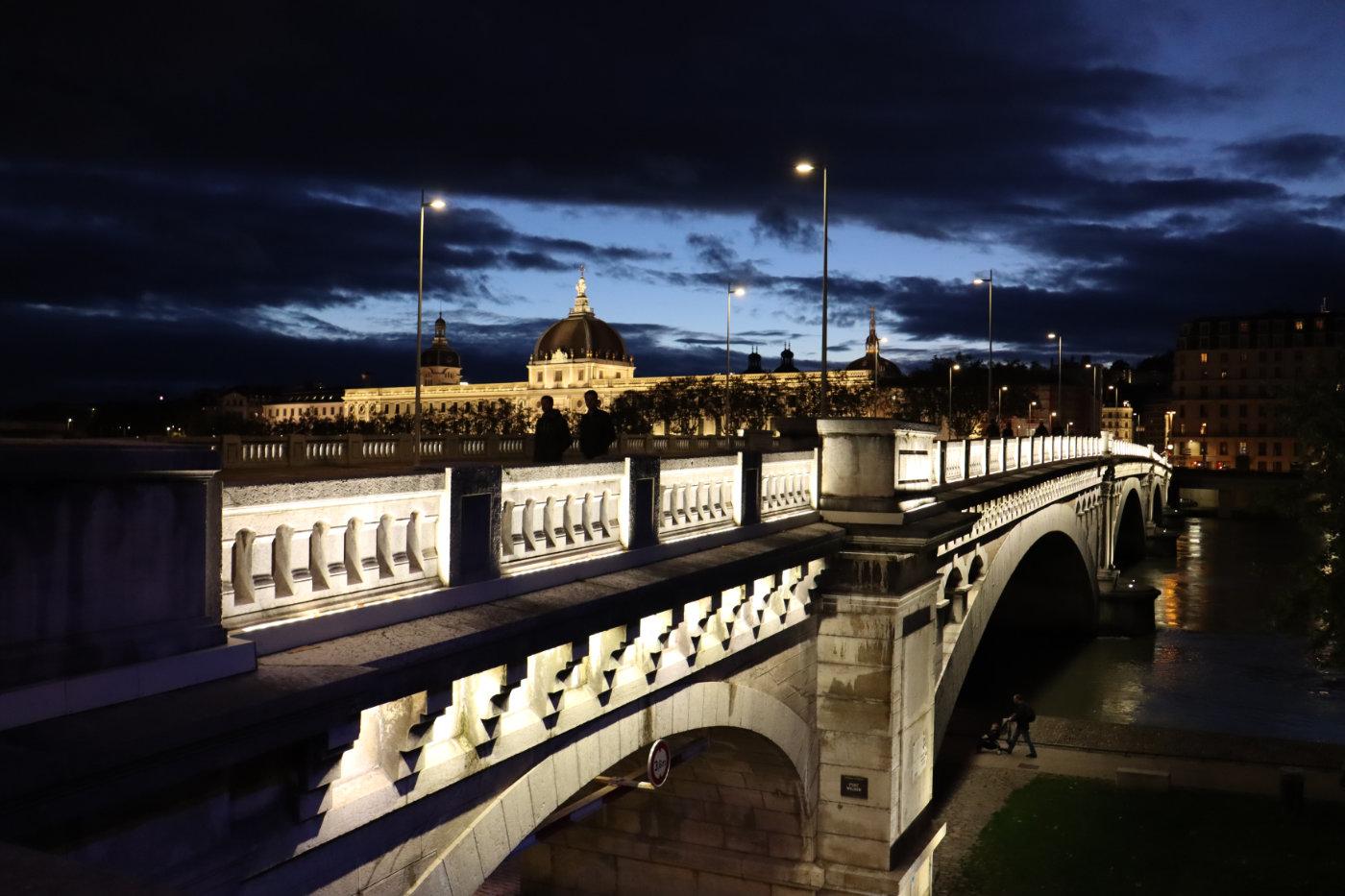 Photo de nuit Lyon Hotel Dieu
